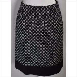 Ann Taylor women's skirt size 2 black white print